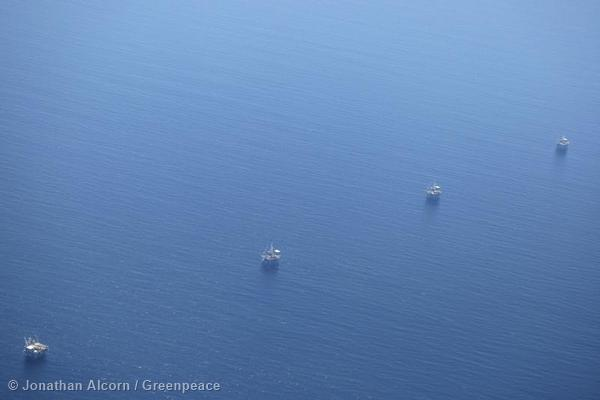 Offshore oil platforms in the Pacific Ocean near the oil spill on Wednesday, May 20, 2015. Photo credit: Jonathan Alcorn/Greenpeace.