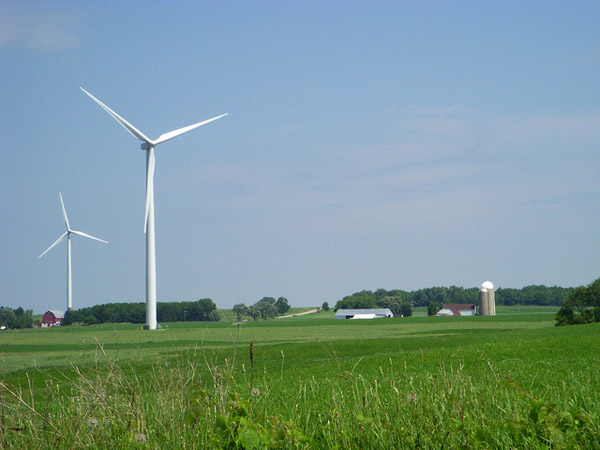Wind power energy footprint: The 129-mw Forward Wind Energy center Project near Fond Du Lac, Wisconsin, that came online in 2008. Photo credit: US DOE.