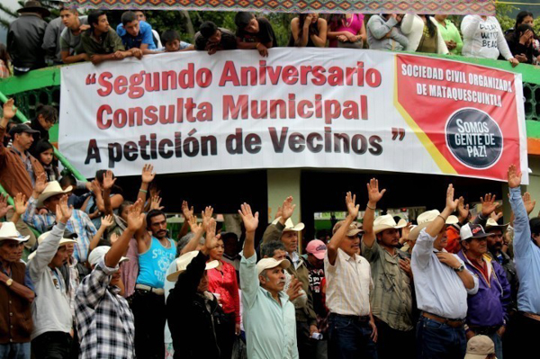 In November 2014, residents of Mataquescuintla celebrated the second anniversary of the municipality's referendum on mining. Photo credit: CPR-Urbana / Centro de Medios Independientes.